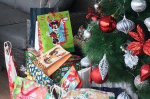 Chile Christmas Navidad Tree Presents Traditions