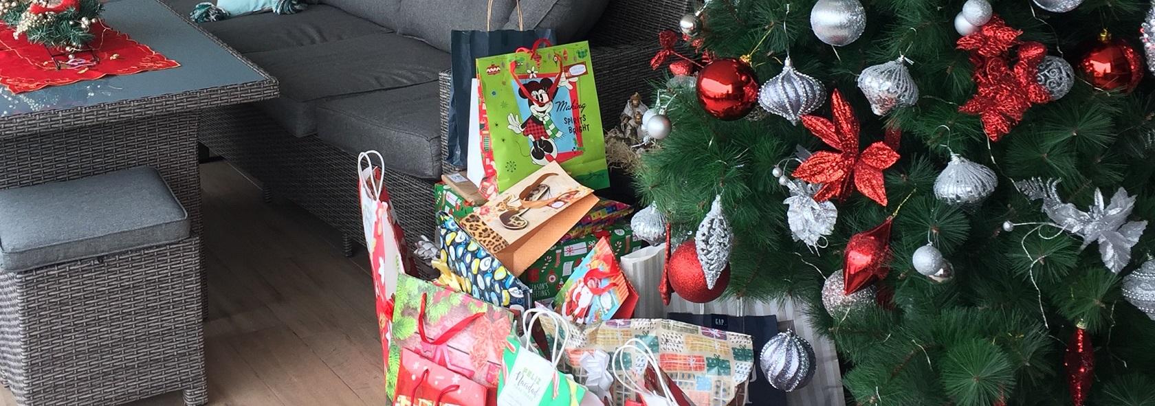 Chile Tree Christmas Navidad Traditions Gifts